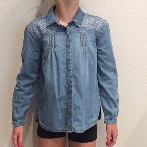 NWOT Girls denim snap button shirt! Perfect & cute